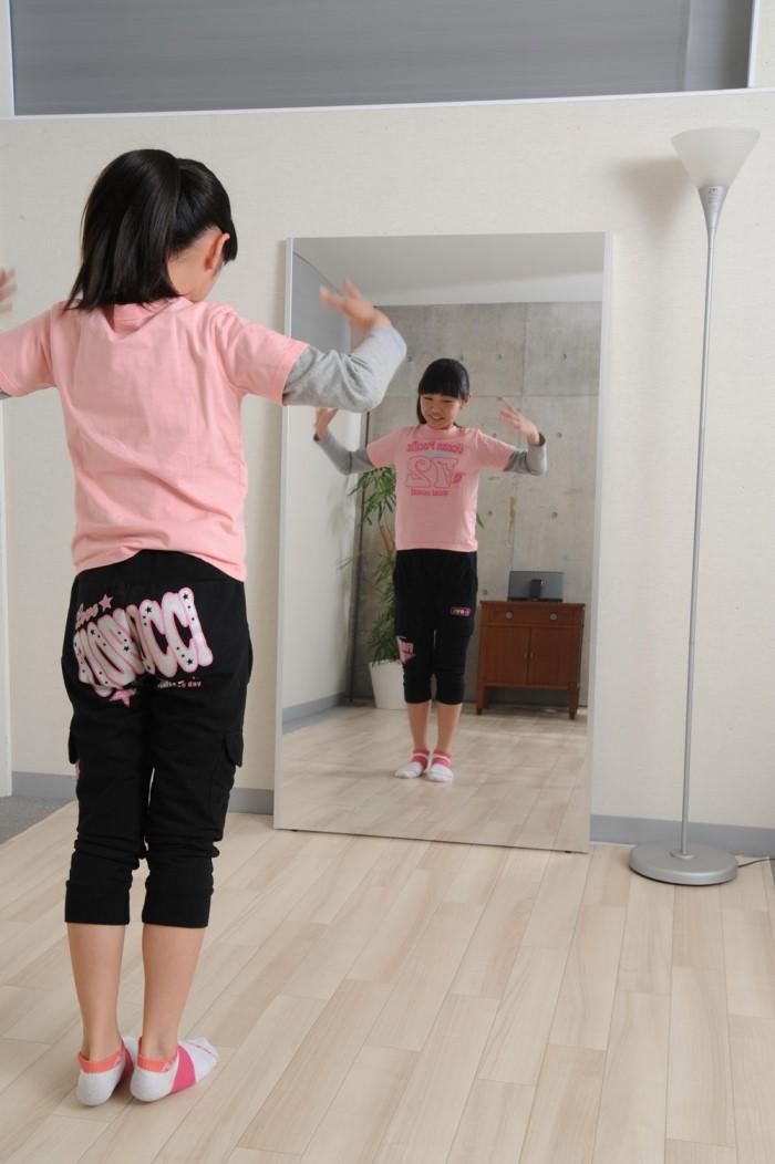 割れない鏡でダンスの練習